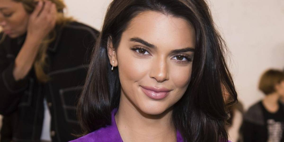 Kendall Jenner promociona una marca de zapatos, pero su trasero se roba la atención