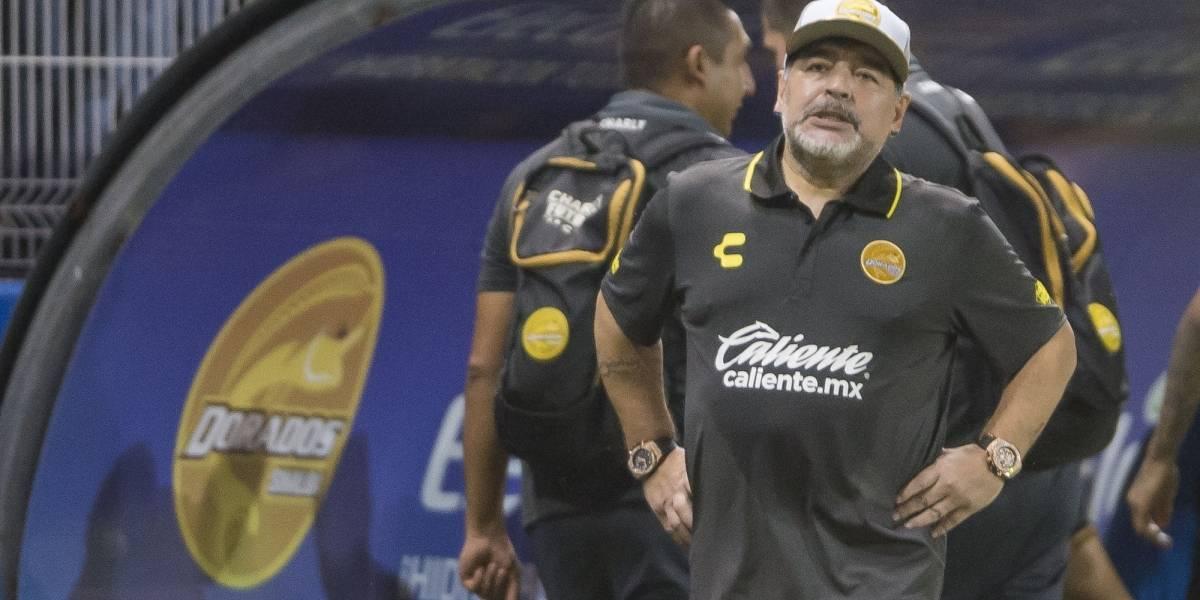 Querétaro hace 'su agosto' con visita de Maradona a La Corregidora