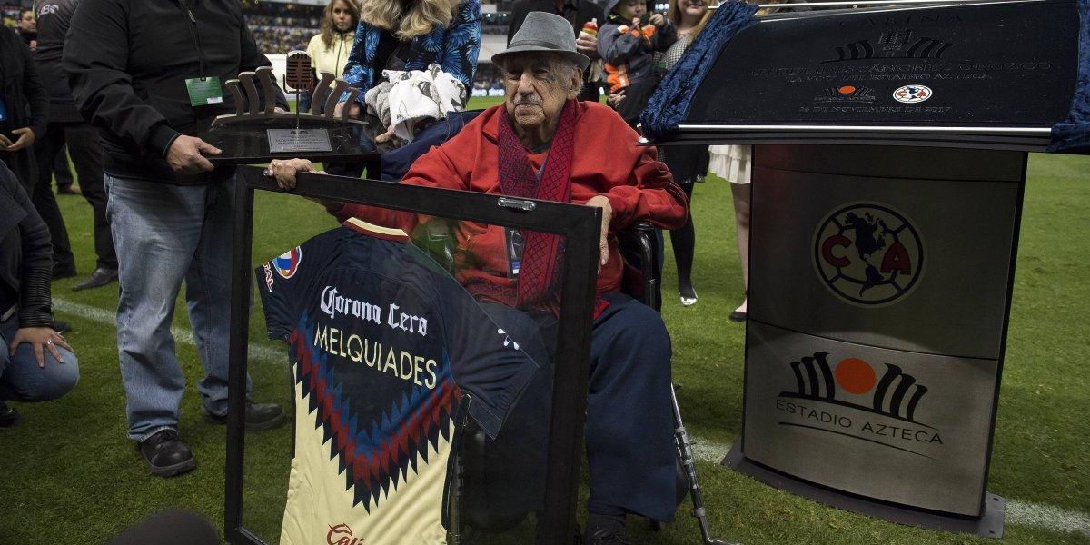 Muere Melquiades Sánchez, la voz del Estadio Azteca
