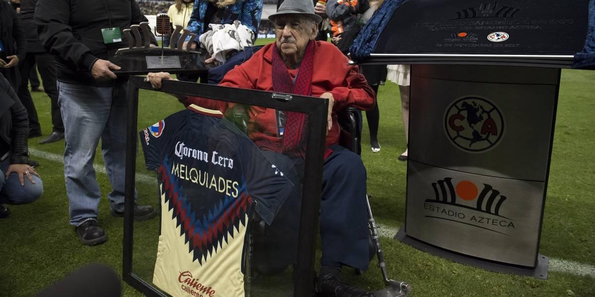 Se prepara el regreso de la voz oficial del Estadio Azteca
