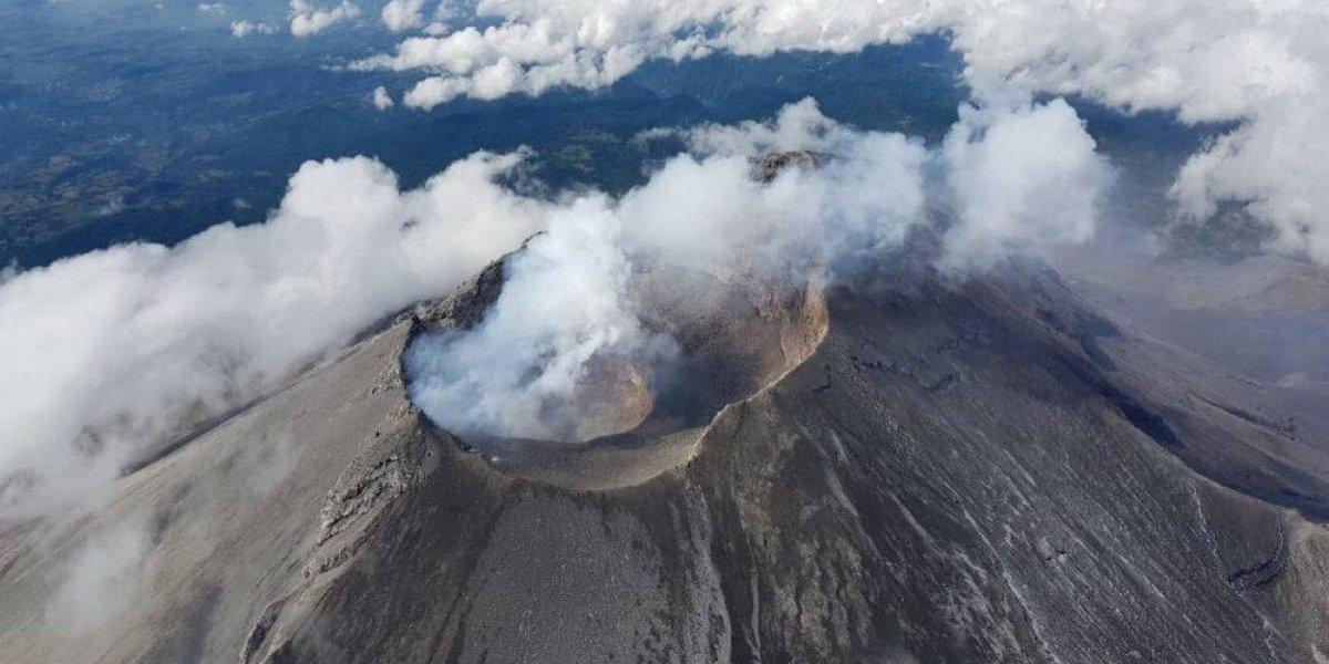 Continúan emisiones de gas y ceniza del Popocatépetl