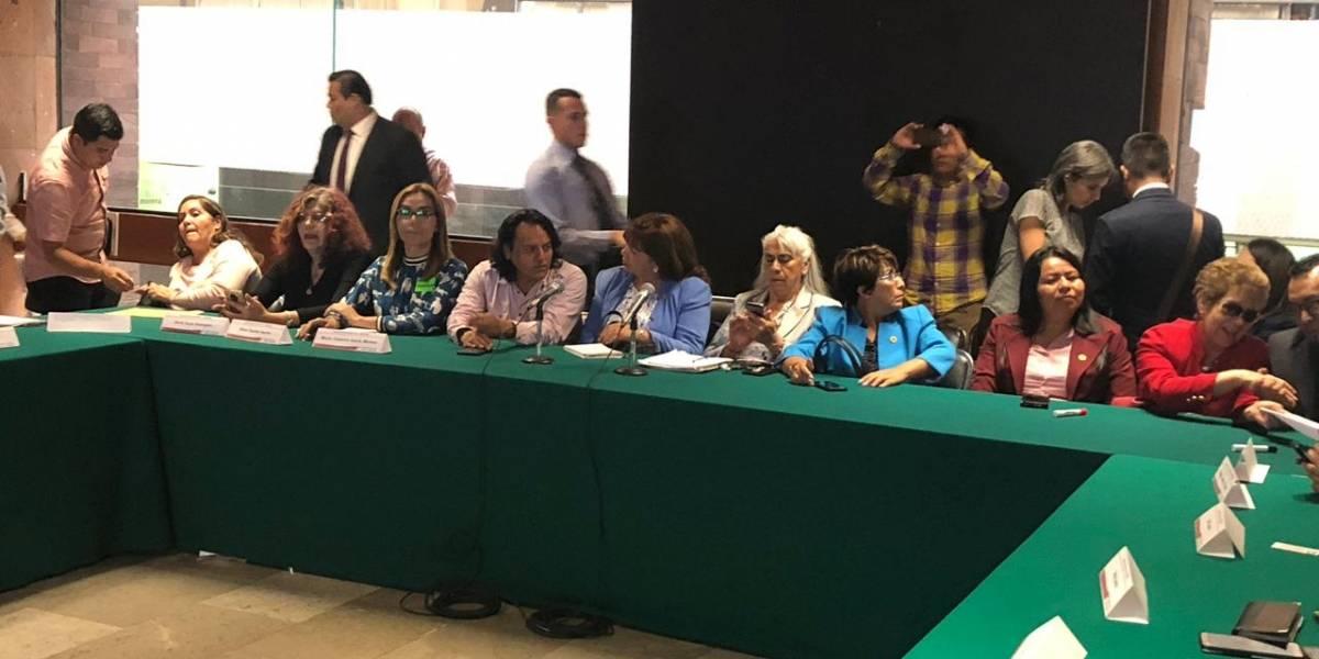 Cierran filas diputados de Morena en San Lázaro a favor de comunidad LGBT