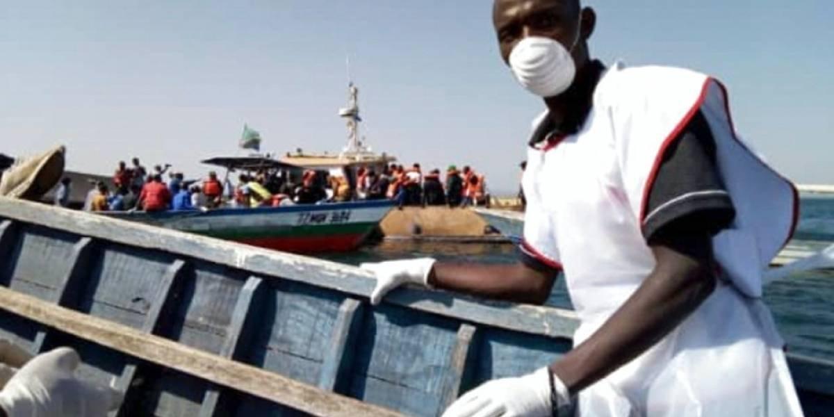 Al menos 130 muertos por naufragio de ferry en Tanzania