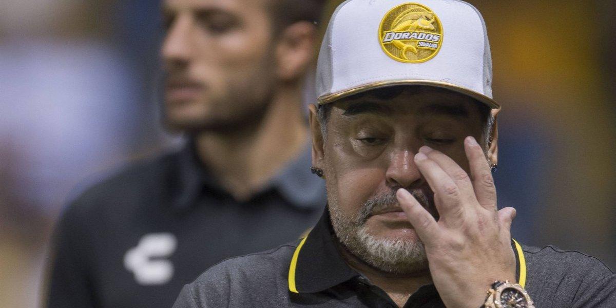 VIDEO: Seguridad de Maradona agrede a aficionado en Tijuana