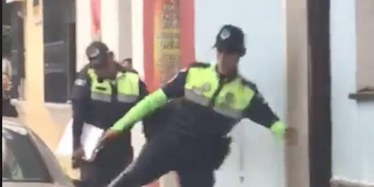 VIDEO. Internautas rechazan reacción de agente de PMT de Antigua Guatemala