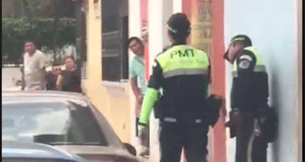 Agente PMT de Antigua Guatemala. Foto: Facebook