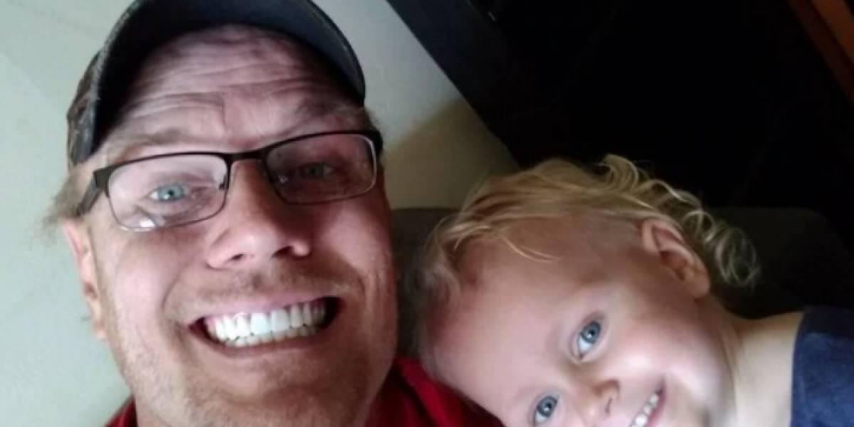 VIDEO. Padre e hijo acribillan a un vecino tras discutir por basura en Texas