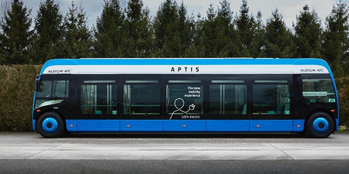 """Guerra de buses premium al Transantiago: llegará una """"micro tipo Metro"""" y estudian sumar eléctricos de dos pisos"""