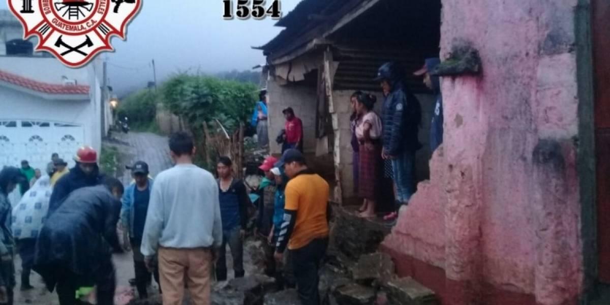 EN IMÁGENES. Viviendas colapsan tras correntada de lluvia en Chimaltenango