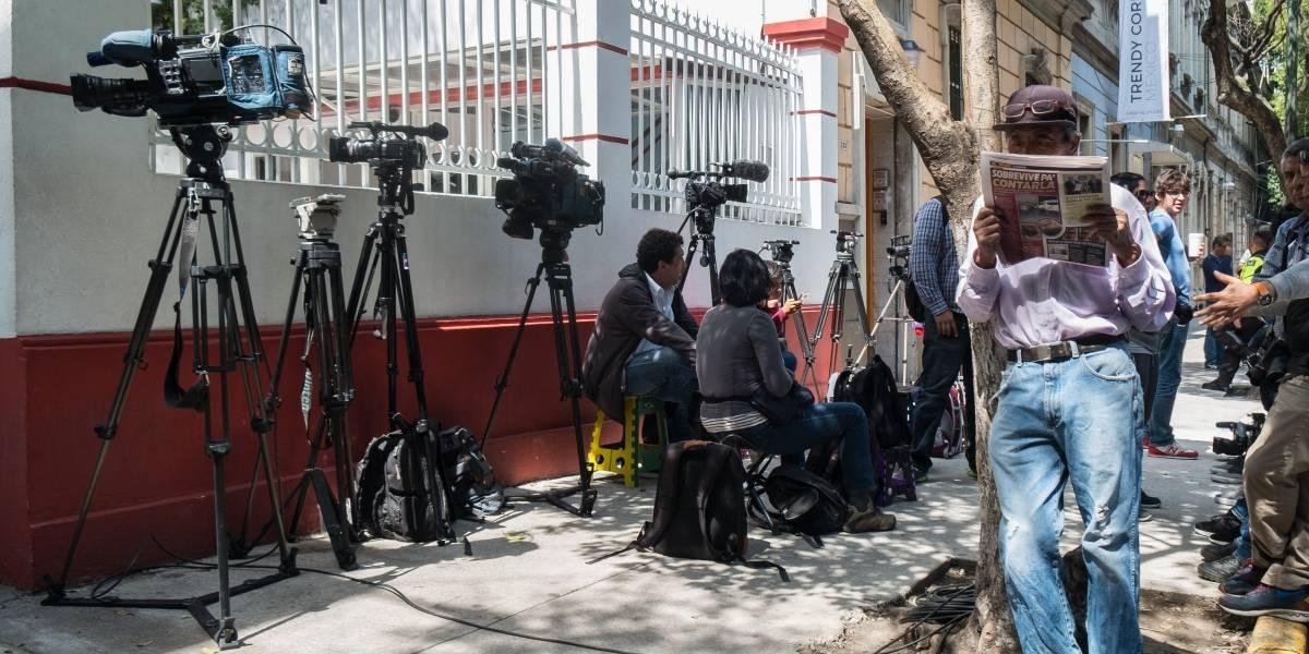 Bajo fuego y amenazas 82% de los periodistas y activistas en México