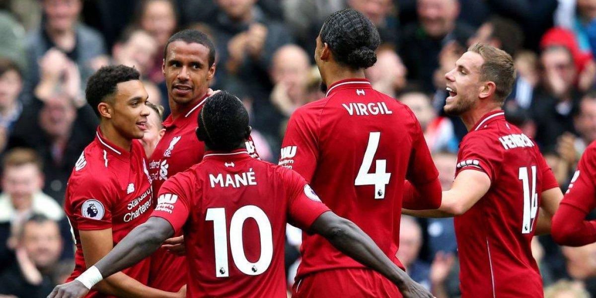 Liverpool sigue perfecto en la Premier y deja al United de Alexis muy lejos del título