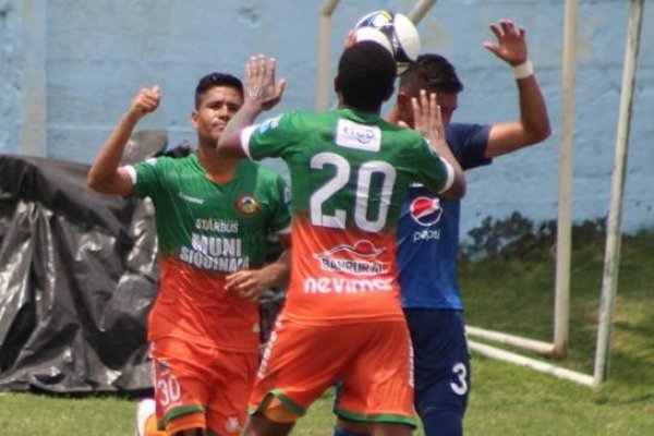 Luis Arroyo fue la figura de Siquinalá al conseguir un doblete