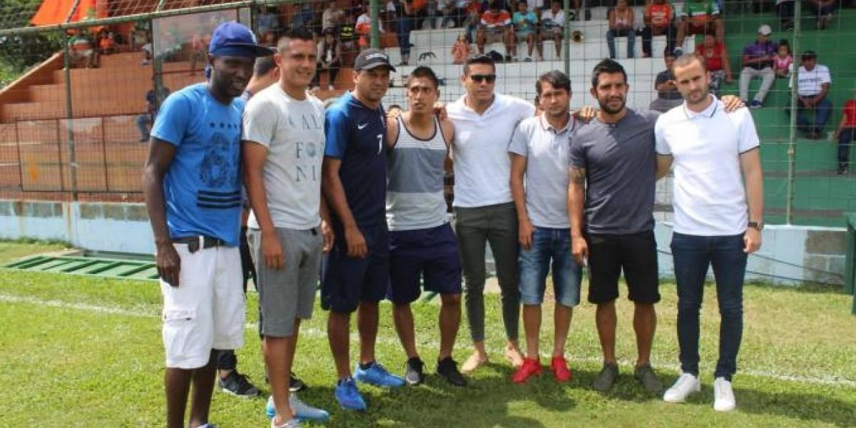 Futbolistas de Siquinalá son retirados del estadio Mateo Sicay Paz
