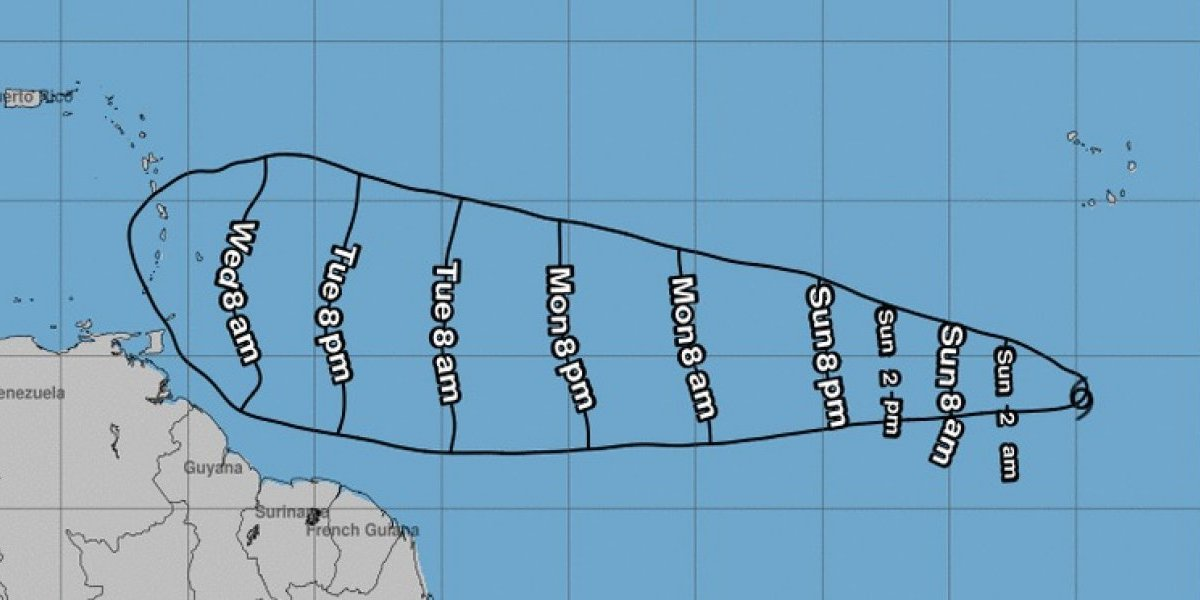 Centro Nacional de Huracanes sigue vigilando la tormenta tropical Kirk