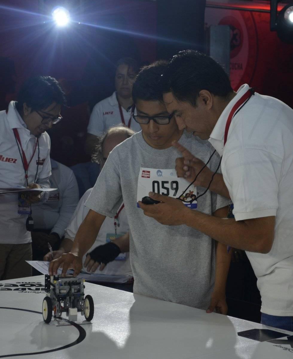 Disney, Universusm y Lenovo, unieron fuerzas para desarrollar el 1er Concurso de Robótica Infantil, donde cientos de niños se dieron cita para poner a prueba sus habilidades Foto   Carmen Ortega