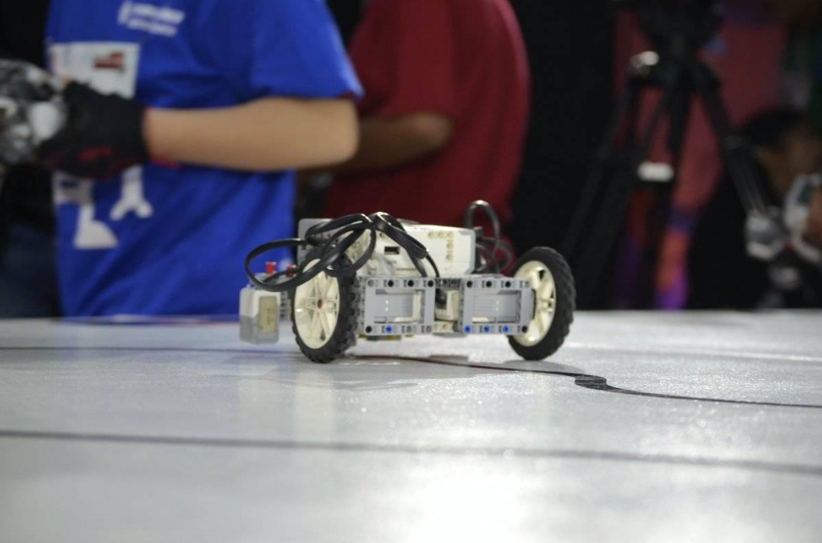 Disney, Universusm y Lenovo, unieron fuerzas para desarrollar el 1er Concurso de Robótica Infantil, donde cientos de niños se dieron cita para poner a prueba sus habilidades Foto | Carmen Ortega