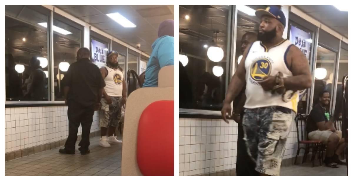 Hombre no quería comer solo y fue a un restaurante con una serpiente en el cuello