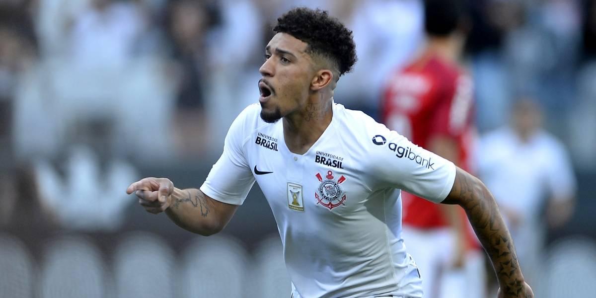 Corinthians supera erro de arbitragem, empata com o Inter e ajuda o São Paulo