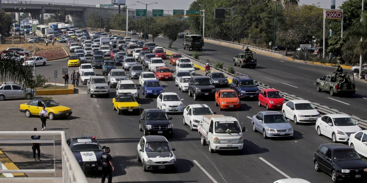 Con la saturación de automotores alentan la metrópoli