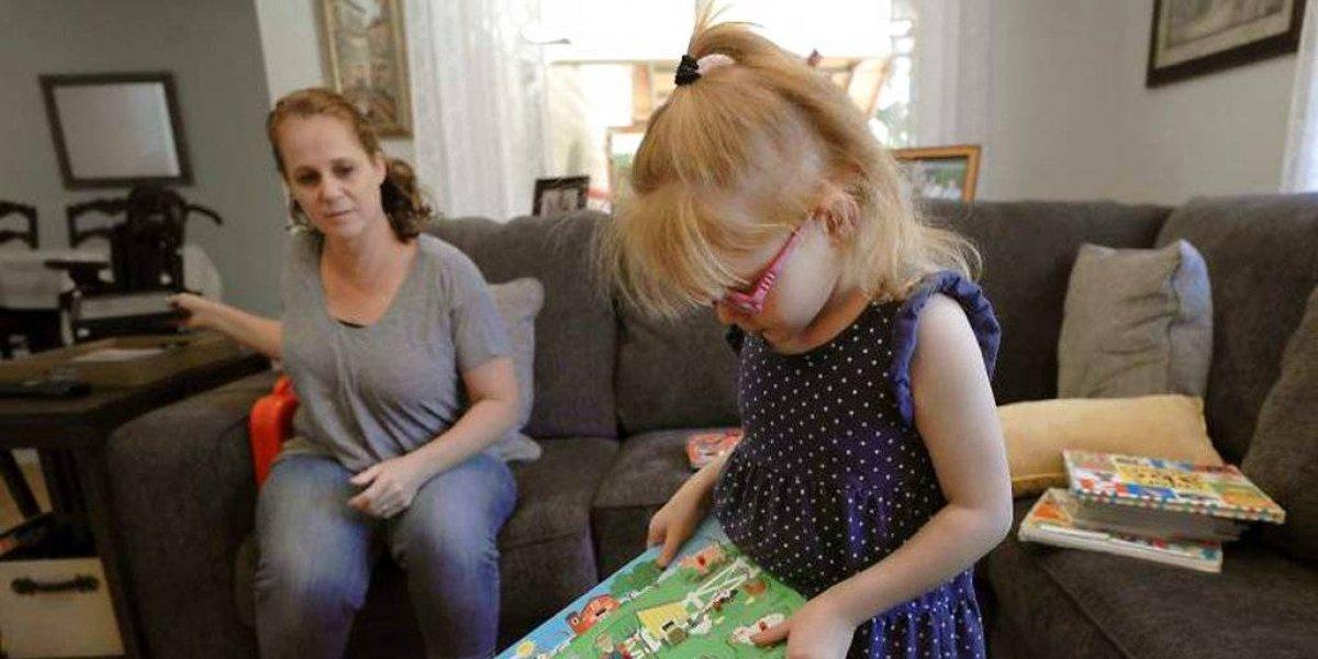 Niña de cinco años usará aceite de cannabis para tratar padecimiento