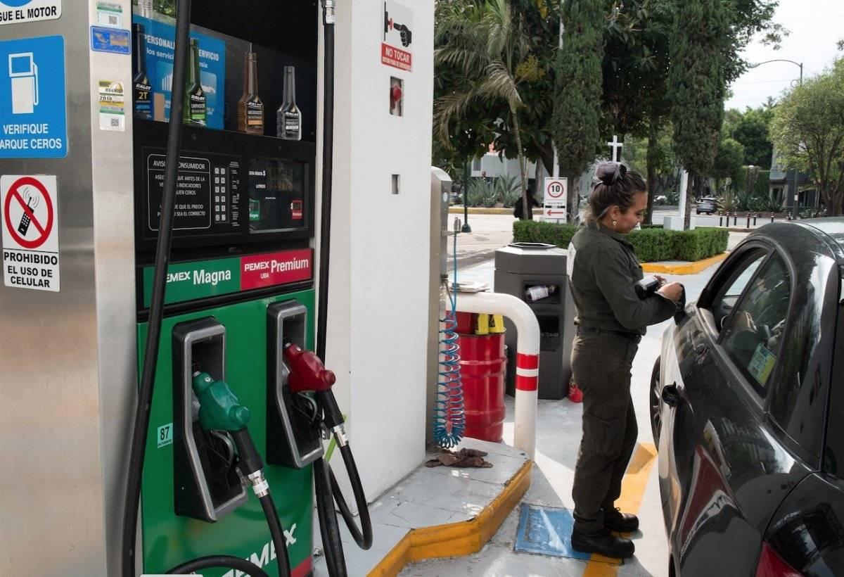 El precio máximo de gasolina regular o tipo Magna alcanzó 20.15 pesos durante los últimos días de septiembre de 2018 / Cuartoscuro