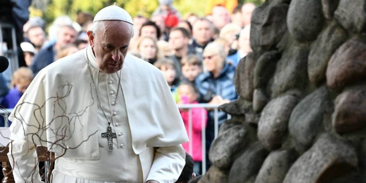 Papa rinde homenaje a judíos exterminados en Lituania