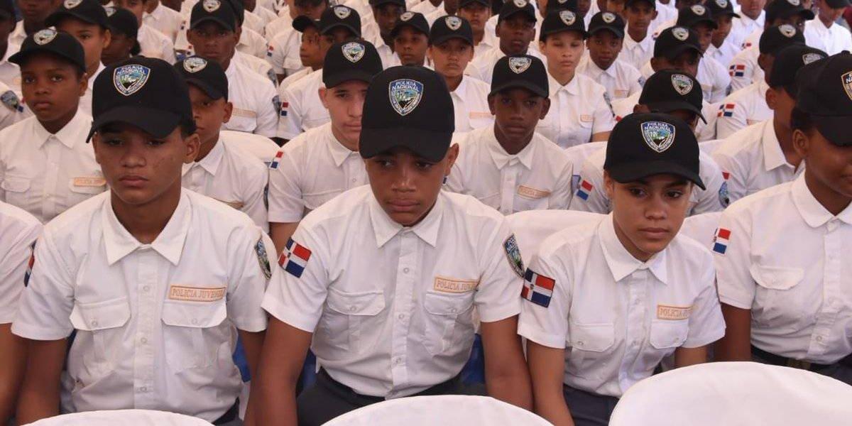 Gradúan 260 policías juveniles comunitarios que promoverán en RD una cultura de paz en valores