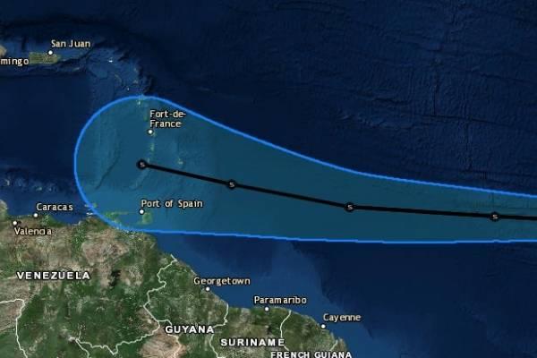 tormenta tropical Kirk