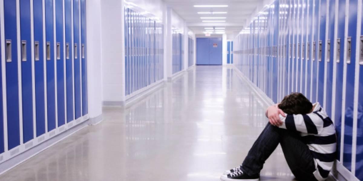 Desgarradora historia: adolescente se suicidó en el colegio por culpa del bullying y hermana lo encontró por el sonido de su celular