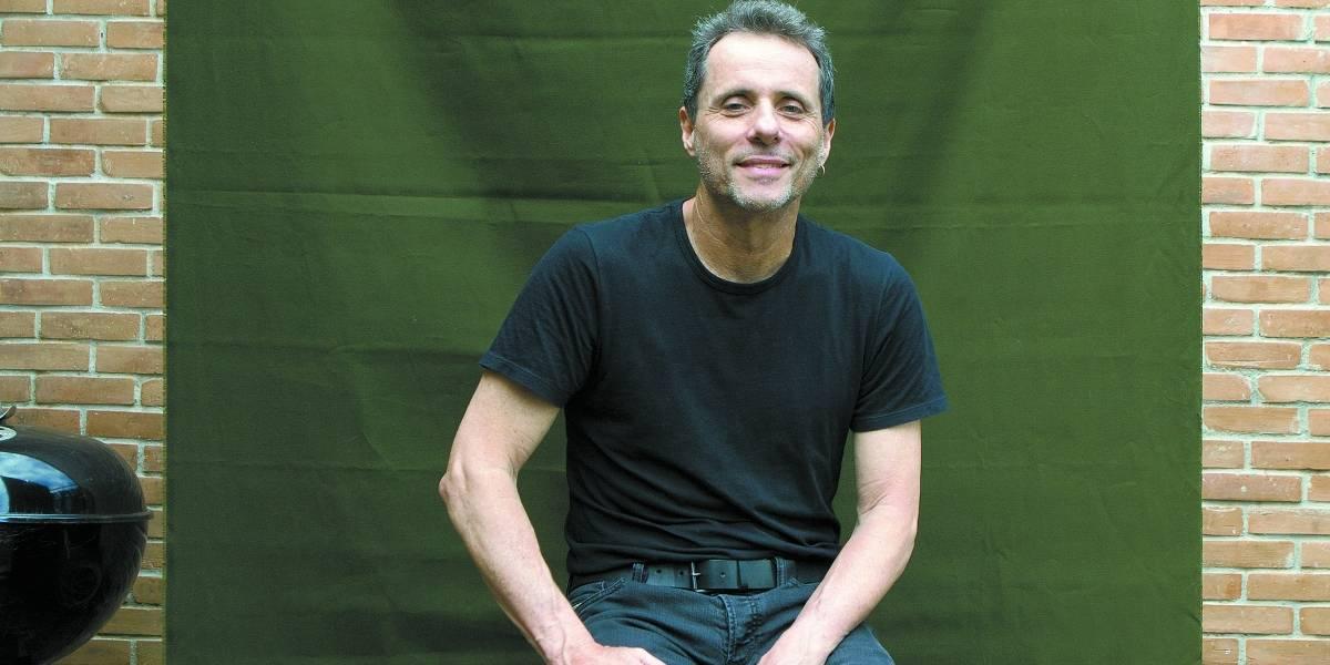 Guitarrista do Titãs fala sobre novo livro e falta de investimentos na área cultural