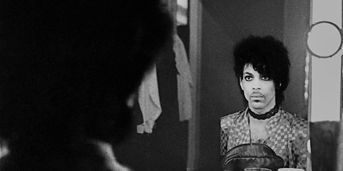 Álbum póstumo de Prince reúne gravações cruas e intimistas