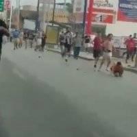VIDEO: Patrulla de la Fuerza Civil huye de trifulca por Clásico Regio