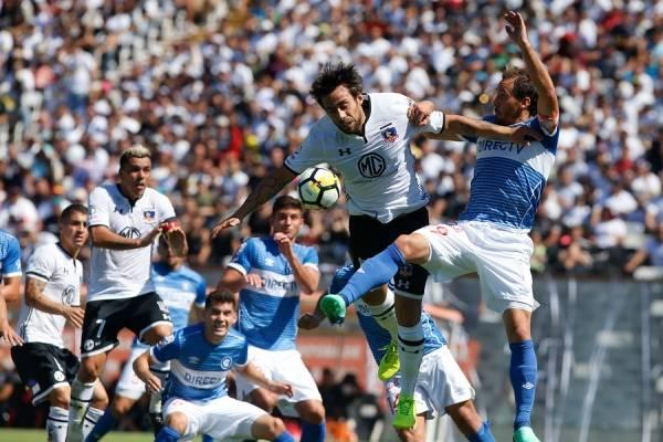 La UC sufrió una amarga derrota por 1-0 en su último encuentro ante Colo Colo. Fue el pasado 31 de marzo en el Estadio Monumental / Foto: Agencia UNO