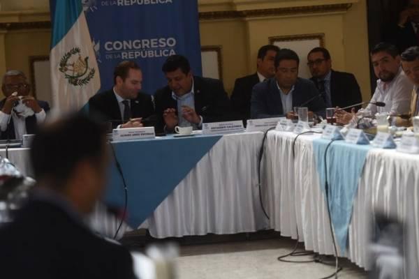 Arzú Escobar propone definir los jueves para discutir las reformas.