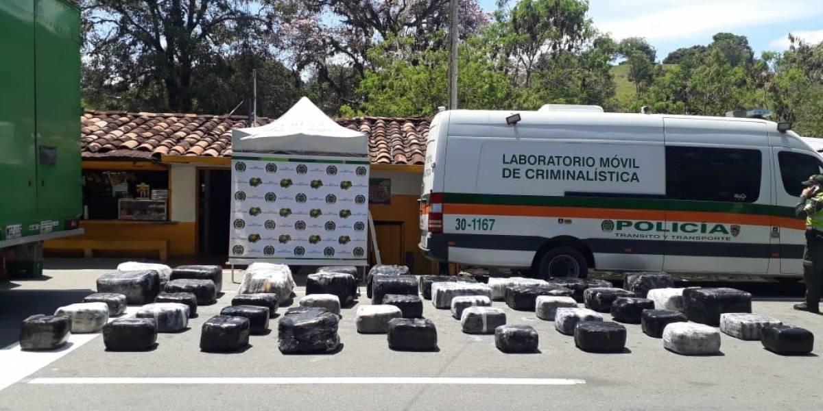 Este fue el millonario cargamento ilegal que la Policía halló en un camión con destino a Bogotá