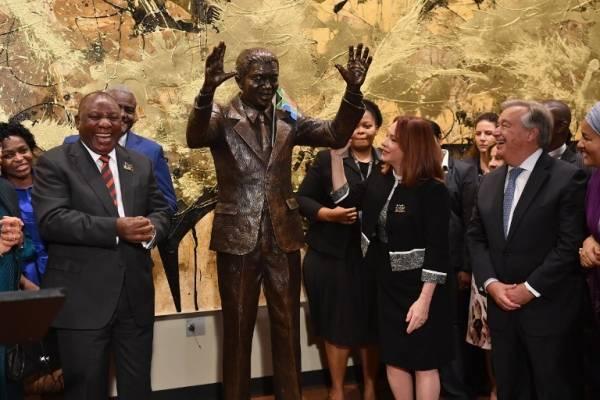 Estatua de Nelson Mandela en la ONU