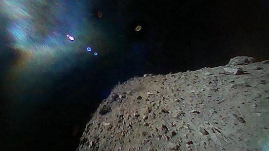 [Fotos] Un éxito: Robots sobre el asteroide Ryugu envían las primeras imágenes