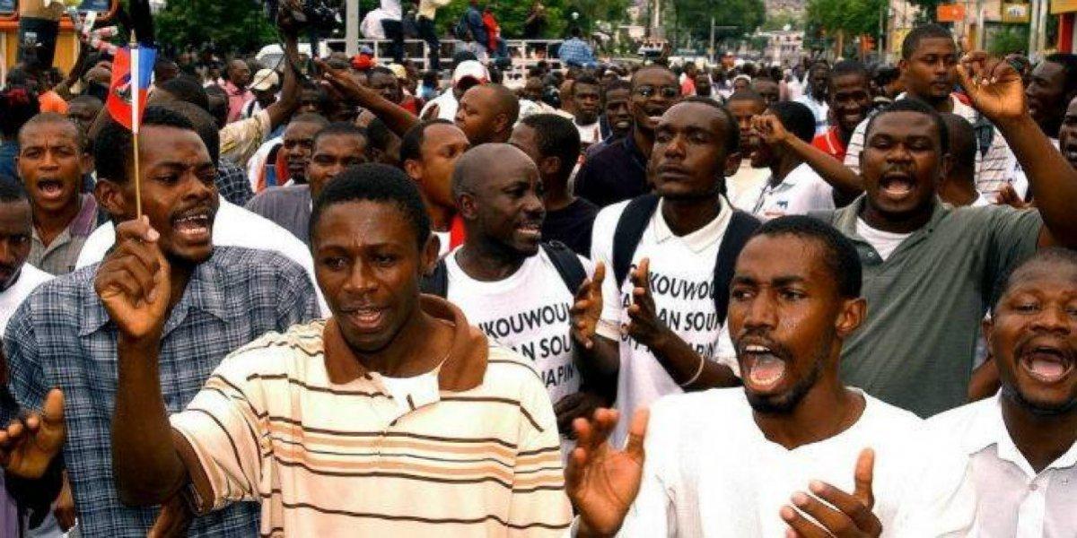 Haitianos reclaman justicia por supuestas irregularidades fondos Petrocaribe