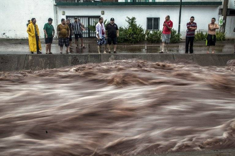 Las fuertes lluvias también han afectado al estado de Sinaloa. Foto: AFP