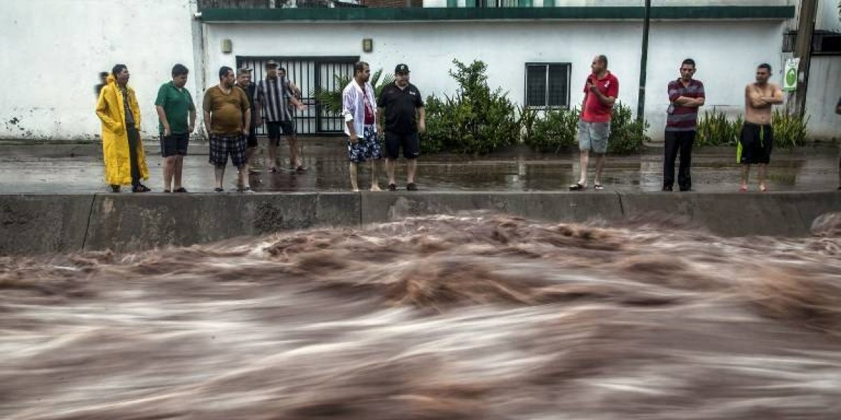 Tragedia por desborde de río en el oeste de México