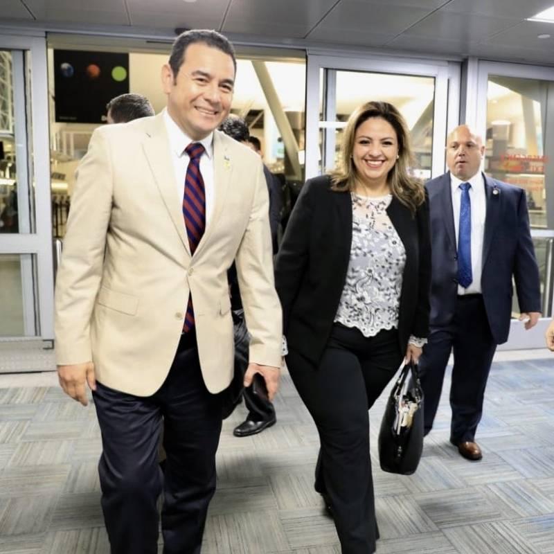 Jimmy Morales y Sandra Jovel llegan a Nueva York para participar en asamblea de la ONU Foto: Gobierno de Guatemala
