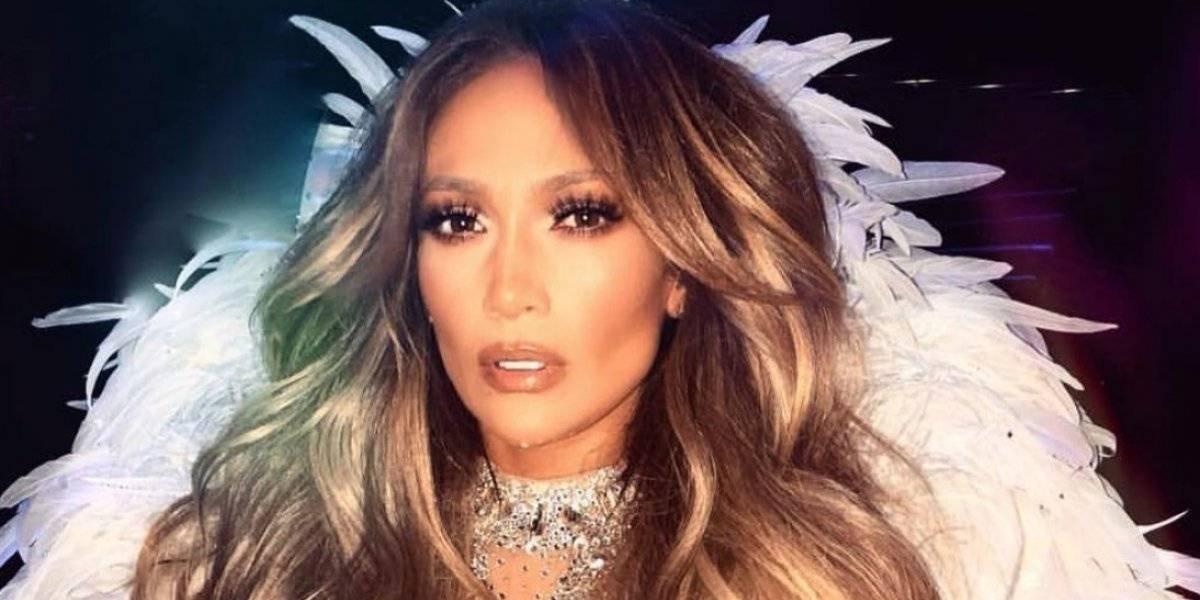Jennifer López sufre tremenda caída en pleno concierto en Las Vegas