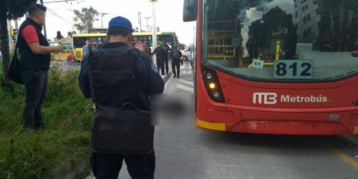 Hombre muere atropellado por Metrobús en Gustavo A. Madero