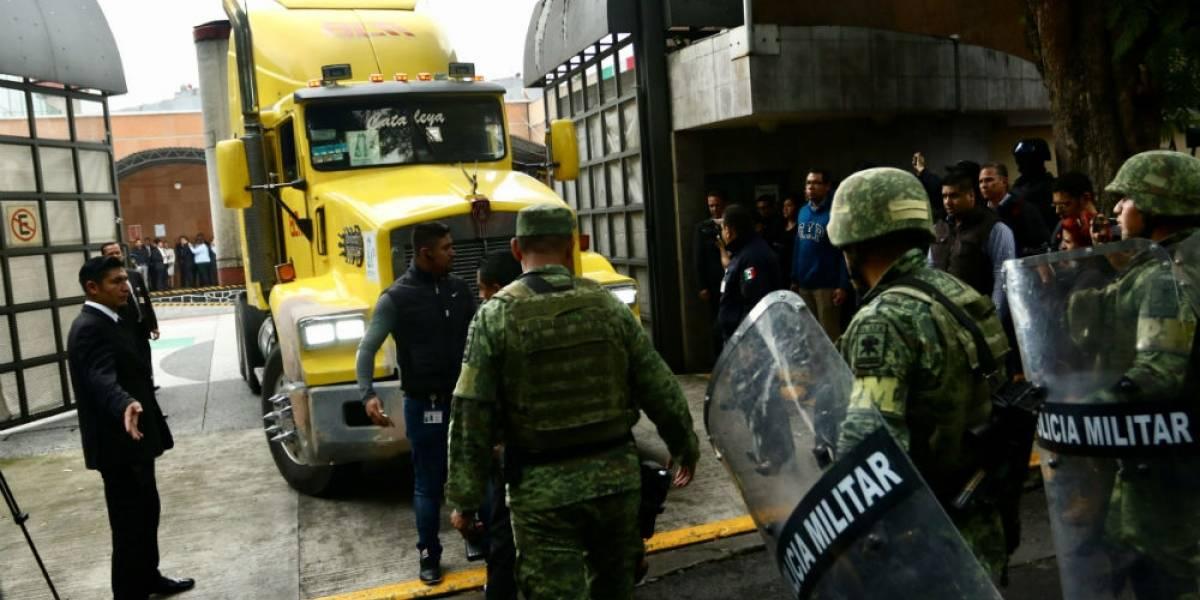 Llegan a CDMX paquetes electorales de Puebla para recuento 'voto por voto'