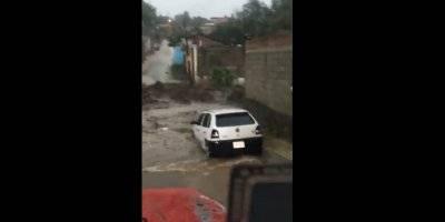 Desbordamiento de río Cutio en Michoacán deja 1 muerto y 12 desaparecidos