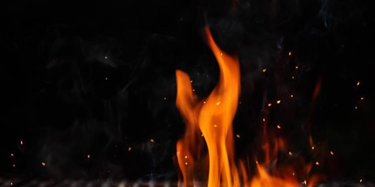 """Intentan quemar """"La Fondita de Mamá"""" pero un vecino logra apagar el fuego"""