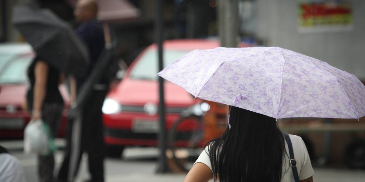 Previsão do tempo: Temperatura continua em queda e São Paulo terá dia chuvoso