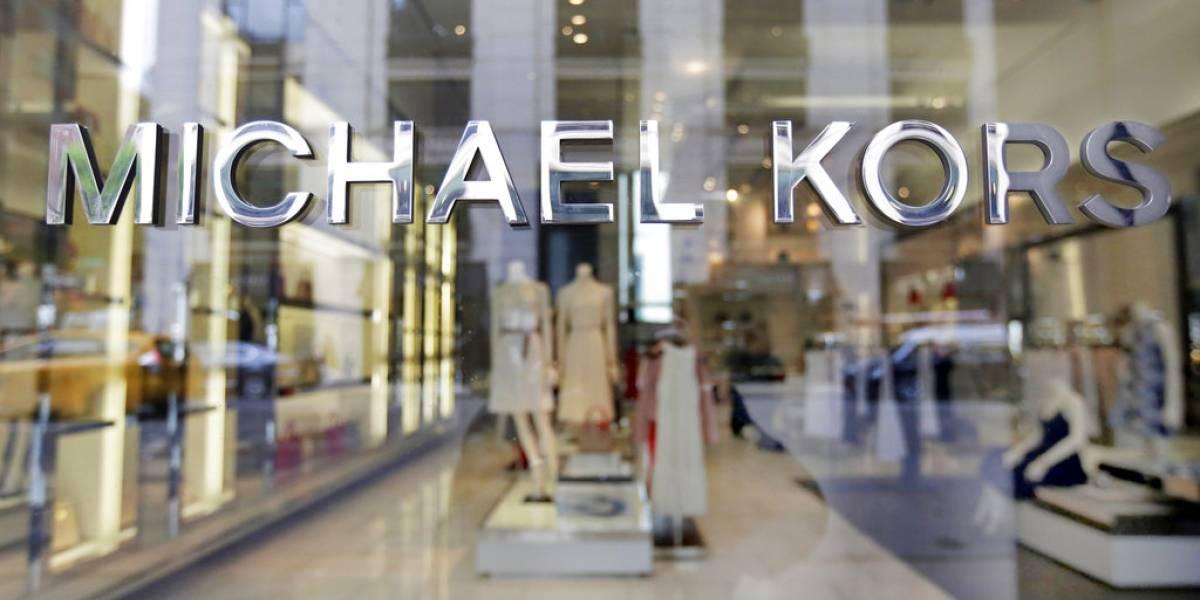 Michael Kors compró Versace por 2 mil millones de dólares