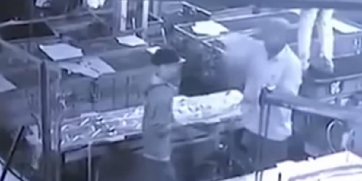 Una broma  del jefe con aire comprimido termino matando a trabajador