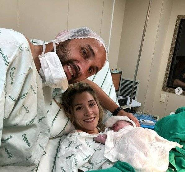 Hernán y su espoa, en el nacimiento de su tercer hijo Instagram